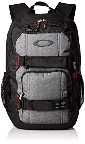 Oakley Enduro 22 A sacco posteriore Nero nero 46 x 30 x 15 cm, 20 Liter