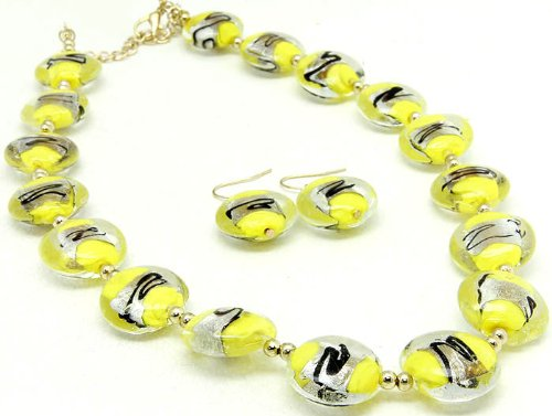 NECKLACE AND EARRING SET BEAD LUCITE BEAD YELLOW Fashion Jewelry Costume Jewelry fashion accessory Beautiful Charms