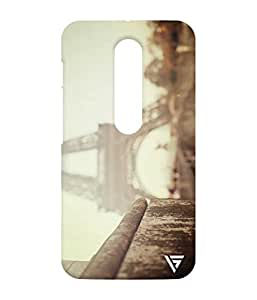 Vogueshell Eiffel Tower Printed Symmetry PRO Series Hard Back Case for Motorola Moto G3