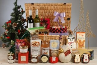 Hamptons Hampers The Family Christmas Hamper Packed In A Lidded Hamper