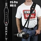 fotogena Kameragurt CS-Pro MK-II passend für Profi-SLR Kameras, extra breites Schulterpolster mit Luftlöchern für optimalen Tragekomfort. LIEFERUMFANG