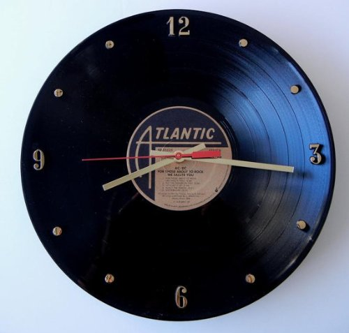 ACDC-Vinyl-Record-Clock-For-Those-About-To-Rock-We-Salute-You-Handmade-12-wall-clock-created-using-the-original-ACDC-record