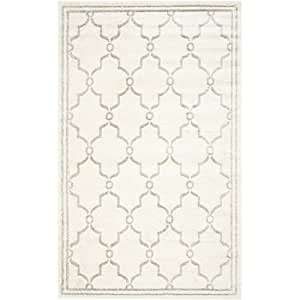 Amazon 8 x 10 Indoor Outdoor Area Rug in Ivory and