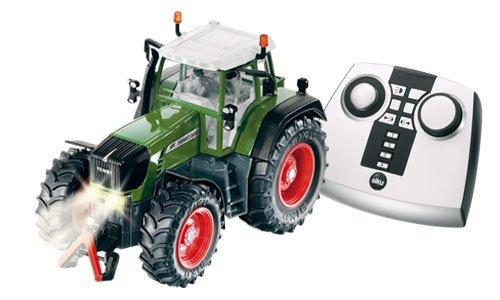 ferngesteuerter traktor siku ferngesteuerter. Black Bedroom Furniture Sets. Home Design Ideas