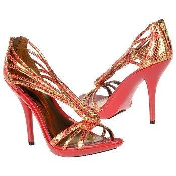 حذاء الكعبـ العاليانتِ انيقة مع احذية الكعب العالياختاري الكعب العالي