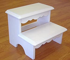 Ukid Lindsey Scalloped Step Stool White from Ukid