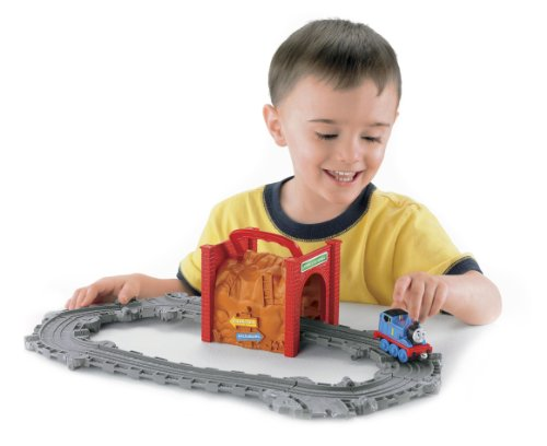Thomas the Train: Take-n-Play Tidmouth Tunnel Starter Set