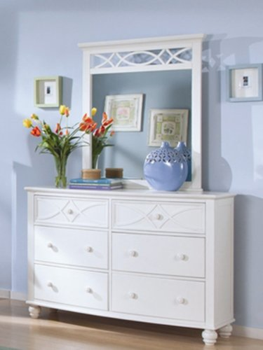 Sanibel Dresser & Mirror By Homelegance In White