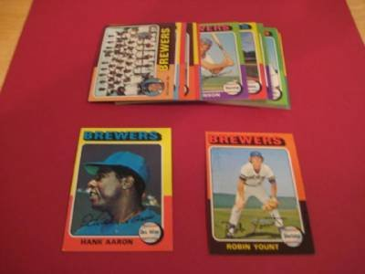 Milwaukee Brewers 1975 Topps Baseball Team Set (25 Cards) (Robin Yount Rookie Card) (Hank Aaron) (Don Money) (Charlie Moore) (Darrell Porter) (George Scott) (Gorman Thomas) and More
