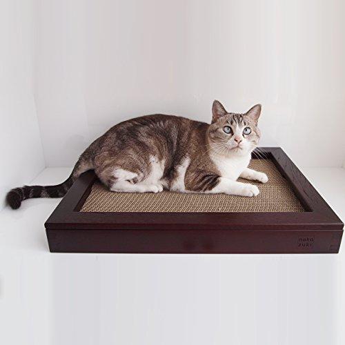 GarigariBOARDマルーン グッドデザイン賞の猫の木製爪とぎ、ネコの爪研ぎ内部はダンボール素材、ねこの交換用つめとぎ段ボールは別売。nekozukiの猫用品573