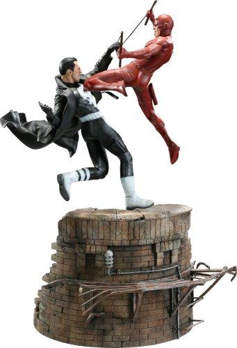 Marvel - Versus Diorama Statue: The Punisher VS Daredevil
