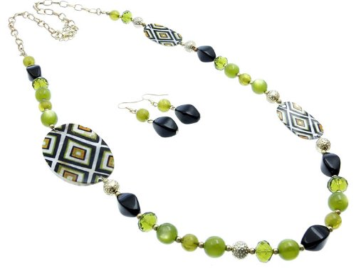 NECKLACE AND EARRING SET METAL LUCITE BEAD GREEN Fashion Jewelry Costume Jewelry fashion accessory Beautiful Charms