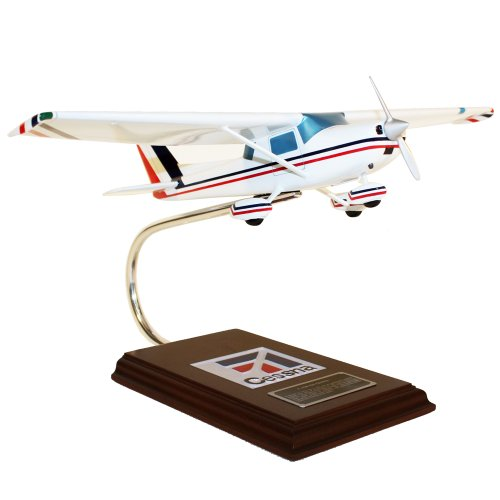 Mastercraft Collection Cessna Model C-150/152 model Scale: 1/24