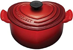Le Creuset Enameled Cast-Iron 2-Quart Heart Casserole, Red