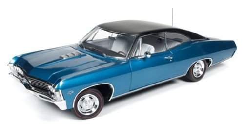 AUTO WORLD 1:18 1967 CHEVY IMPALA SS 427 AMM1083