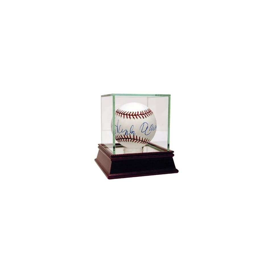 Hank Aaron Signed Baseball   Steiner Hologram w Glass Case