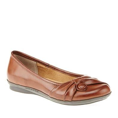 Amazon.com: Cliffs by White Mountain Women's Hotseat Flat: Shoes