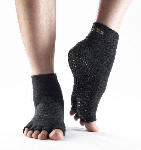 ToeSox Männer und Frauen 1 Paar Halb Toe Organic Cotton Ankle Yoga Socks In Black Medium schwarz - schwarz