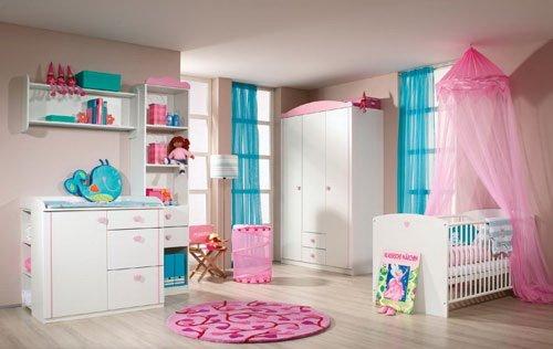 Babyzimmer 3-tlg. in Alpinweiß mit Abs. in Rosa, Griffe in Herzmotiv, Schrank B: 136 cm, Kommode B 100 cm, Bett 70 x 140 cm, inkl. Lattenrost