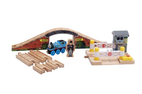 41qWtvSfwgL Cheap Price Thomas  and  Friends Wooden Railway   Splish Splash Splosh Story Pack