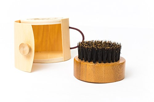 boar bristle beard brush with oak wood handle and bamboo travel case health beauty personal care. Black Bedroom Furniture Sets. Home Design Ideas