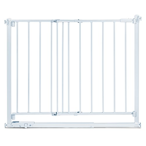 Summer Infant Step to Secure Metal Walk-Thru Gate, White