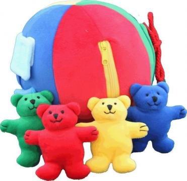 スマイルキッズ (知育玩具) ベアボール  カラフルな布製ボールには、指先を使う仕掛けが・・・