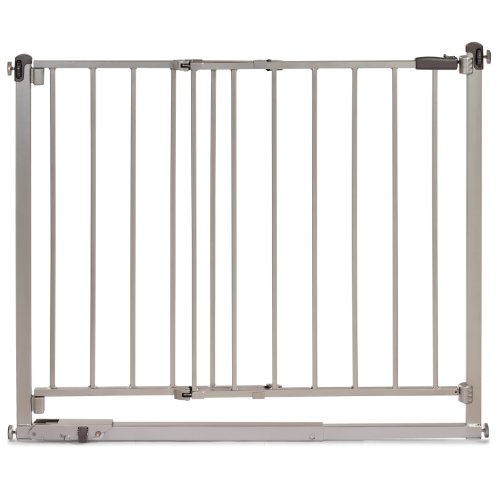 Summer Infant Step to Secure Metal Walk-Thru Gate, Silver