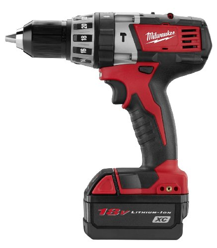 Milwaukee 2602-22 M18 18-Volt Cordless 1/2-Inch Hammer Drill/Driver Kit