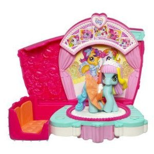 My Little Pony Ponyville Twirlin' Runway Styles with Rainbow Dash - 1