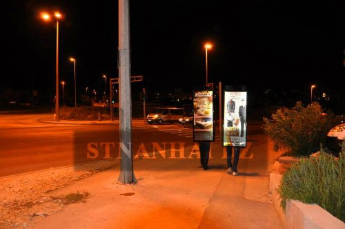Stnanhai 2014 High-Quality,Indoor/Outdoor Display Ads Display,Led Walking Battery Operated With Lithium Battery