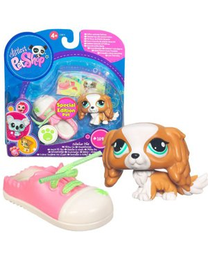 Buy Low Price Hasbro Littlest Pet Shop Collector Pet Pairs Series 1 Figure King Charles Spaniel with Shoe Special Edition Pet (B004MT3A02)