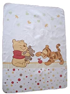 baby kuscheldecke baby pooh and friends baby. Black Bedroom Furniture Sets. Home Design Ideas