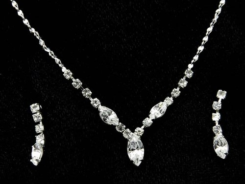 NECKLACE AND EARRING SET METAL CRYSTAL STONE CLEAR Fashion Jewelry Costume Jewelry fashion accessory Beautiful Charms