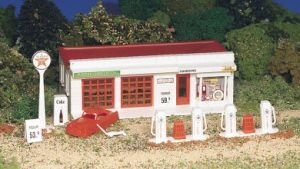 Bachmann Trains Gas Station