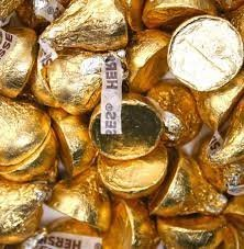 hersheys-kisses-creamy-milk-chocolate-gold-wrapping-425-pounds