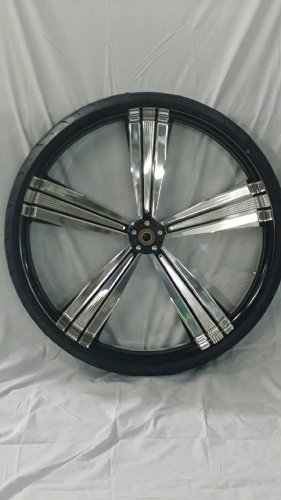 HARLEY DAVIDSON 30x4 BLACK AND PLATINUM PERFORMANCE MACHINE SHOCK WHEEL AND 30