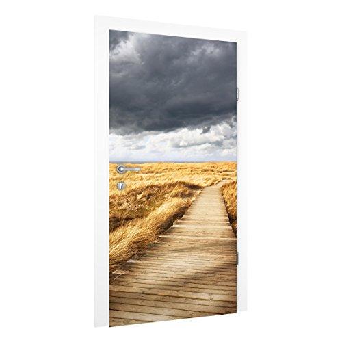 Bild einer angebrachten Bild-Vliestapete auf einer Tür