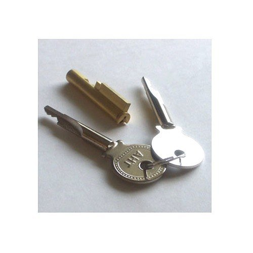 Excellence Lid Lock For Eac And Rio Commercial Ice Cream Freezers front-428337