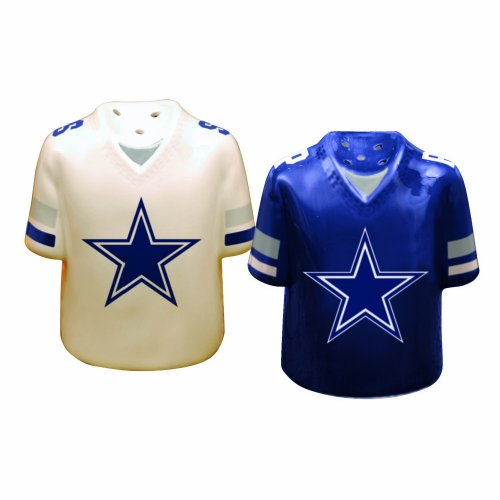 Dallas Cowboys Gameday Salt and Pepper Shaker at Amazon.com