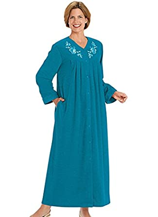 AmeriMark Women's Snap-Front Long Boucle Robe