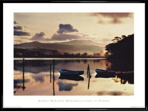 seen-poster-kunstdruck-und-kunststoff-rahmen-merimbula-lake-at-sunset-kirsty-mclaren-80-x-60cm