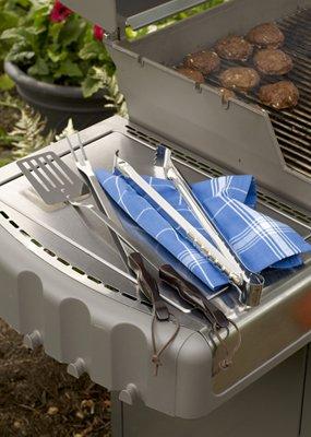 CUTCO Model 1709 Barbecue Set. 16