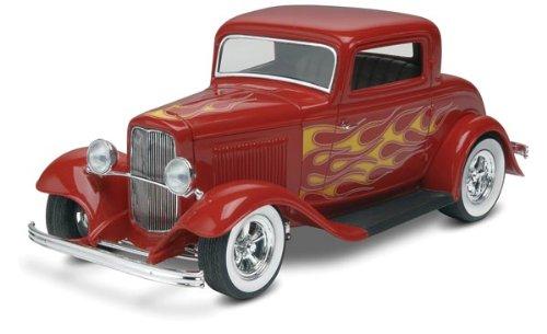 Revell Monogram '32 Ford 3-Window Street Rod