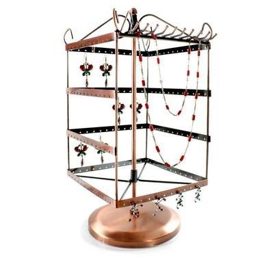 tourniquet pour boucles d 39 oreilles et colliers bijoux accessoires. Black Bedroom Furniture Sets. Home Design Ideas