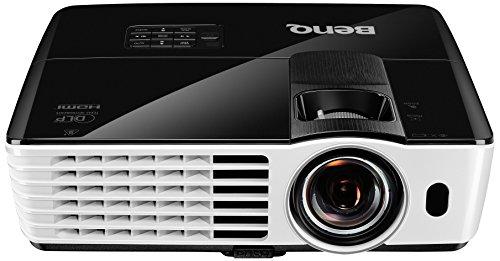BenQ TH682ST Proiettore DLP DC3 DMD, Ottica Corta, Full HD, Luminosità 3000 Ansi Lumen, Contrasto 10.000:1, HDMI 1.4a, Bianco/Nero