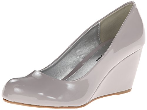 CL by Chinese Laundry Women's Nima Patent Wedge Pump