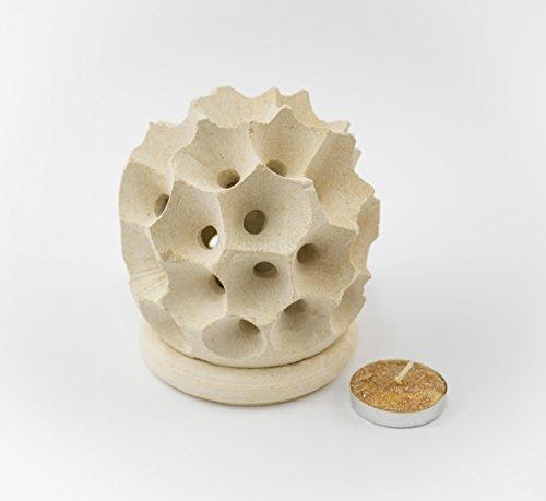 """""""Mangiafumo, porta candela, centrotavola a nido d'ape"""" scultura artigianale in pietra leccese realizzato a mano dai maestri d'arte leccesi nelle misure 11 x 9,5 cm"""