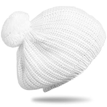 e562471a5e54 amazon.fr. CASPAR Bonnet pour femme en angora avec pompon beanie en noir