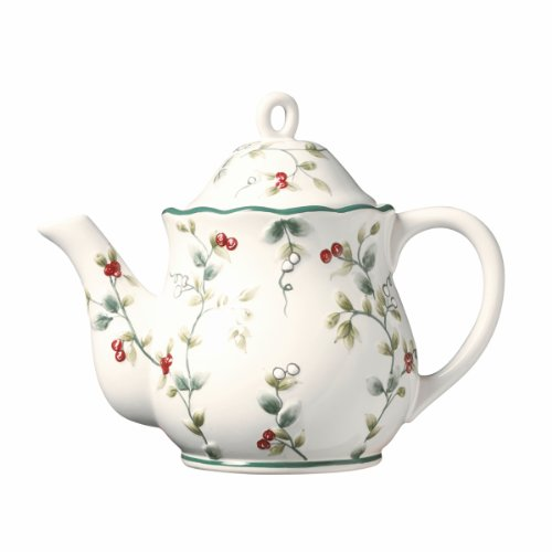 Pfaltzgraff Winterberry Sculpted Teapot